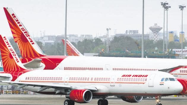 The Indian Pilots Guild (IPG), the union of pilots operating the wide-body Boeing fleet of AI, has demanded that their dues and arrears be cleared.(Mint / File Photo)