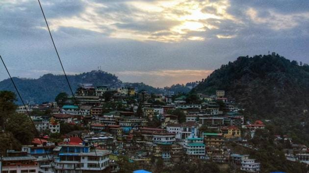 A view of Mussoorie from a vantage point in Landour in Tehri Garhwal, Uttarakhand.(Photo: Prannay Pathak/HT)