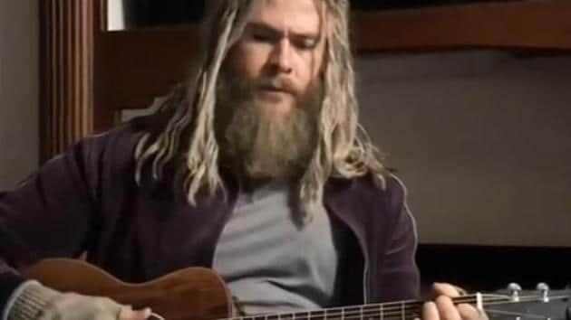 Chris Hemsworth sings Johnny Cash's song, Hurt, in a new Instagram video.
