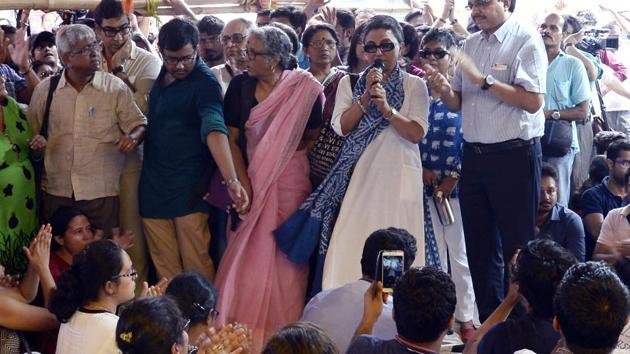 Renowned Bengali actress and filmmaker Aparna Sen addresses junior doctors at Nil Ratan Sircar Medical College and Hospital or NRS, who are in the strike from past three days in Kolkata on June 14, 2019. (ANI Photo)(ANI)