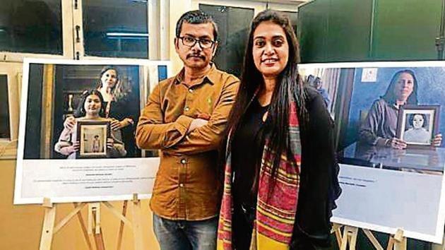 NGO Sahiyo's founder Insia Dariwala (right) with exhibition photographer Dipak Nayak.(HT Photo)