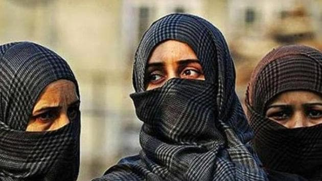 Quebec has passed a restrictive secularism bill that will prohibit certain categories of public servants from displaying visible symbols of faith like the Sikh turban or Muslim hijab.(HT File photo/Representative Image)