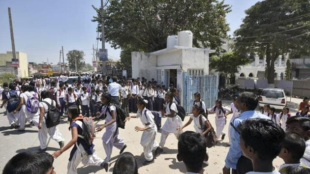 In order to promote Khadi and make children aware of its importance, the state government has decided to introduce Khadi school uniforms. (Photo by Burhaan Kinu/ Hindustan Times)