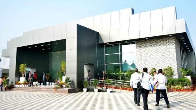 The Telugu Desam Party government of N Chandrababu Naidu Praja Vedika had used the building for both official and party activities.(HT PHOTO)