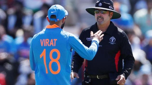 India's Virat Kohli talks to umpire Richard Illingworth(Action Images via Reuters)