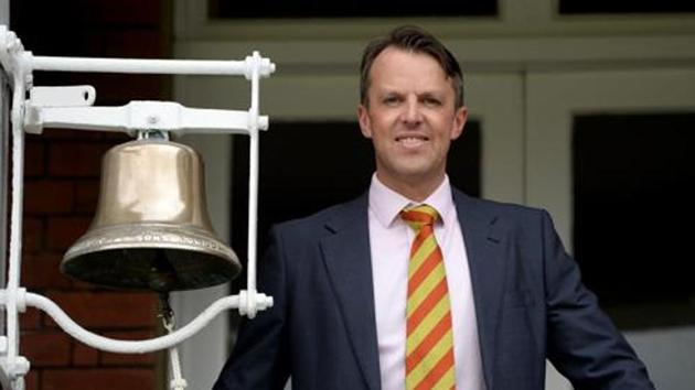 Former England bowler Graeme Swann rings the five minute bell ahead of day two of the 3rd Investec Test match between England and the West Indies at Lord's Cricket Ground on September 8, 2017 in London, England.(Getty Images)