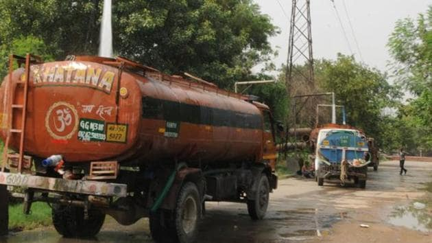The GMDA supplies roughly 440 to 450 million litres daily (MLD) to the city from its two plants — which it distributes majorly through the MCG and HSIIDC.(Parveen Kumar/HT archive)