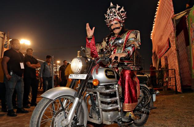 Actor Mukesh Rishi as Raavan at the Luv Kush Ramlila at Red Fort in Delhi on September 25, 2017.(Manoj Verma/Hindustan Times)