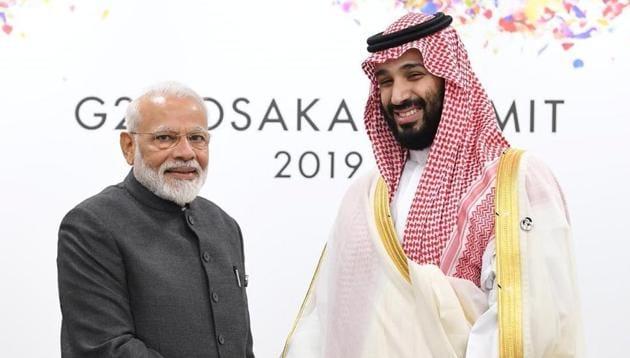 PM Modi meets Saudi Prince Salman in Osaka(MEA/Twitter)