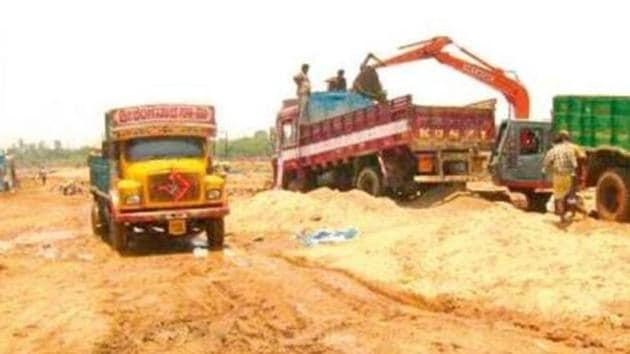 Last month, the reporter of a leading Odia daily in coastal Balasore district was grievously injured after sand mining mafia attacked him for writing against illegal mining.(HT FILE PHOTO)
