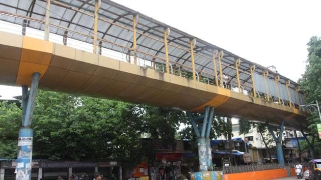 The skywalk at Kopri will be moved to Kharegaon.(HT Photo)
