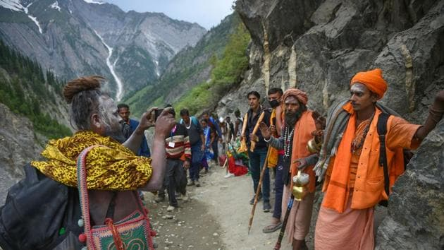 The spokesperson said the yatra was flagged off at Pahalgam and Baltal base camps by the officials of the respective district administrations.(PTI File Photo)