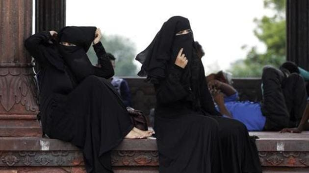 The police has booked a man for allegedly divorcing his wife by triple talaq following a heated argument over ₹30 in Greater Noida's Dadri.(AP File Photo)