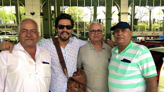 Randeep Hooda made the most of his flight being diverted to Nagpur.