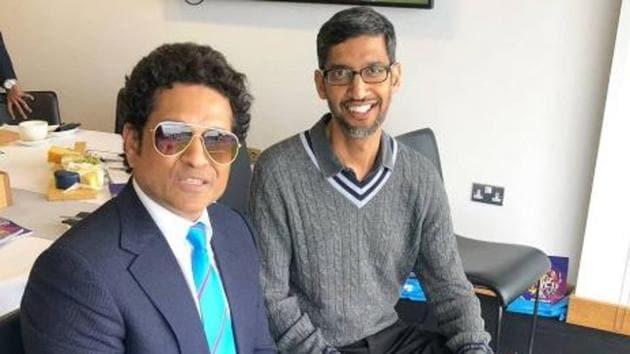 Former India cricketer Sachin Tendulkar and Google CEO Sundar Pichai (R)(SachinTendulkar/ Twitter)