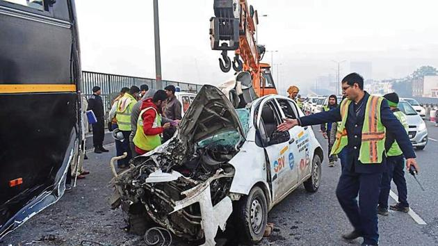 A cab collided behind the NSG bus at Delhi-Gurugram Expressway from Gurugram to Delhi side, Iffco Chowk flyover; two persons died in this accident and one major injured, in Gurugram.(Kumar/Hindustan Times)