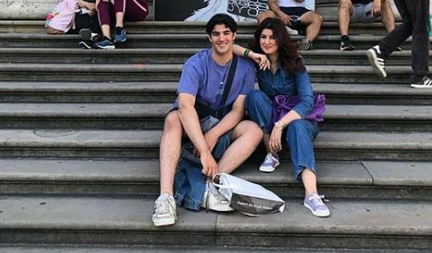 Twinkle Khanna poses with her son Aarav.