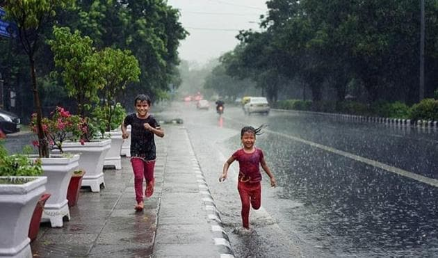Many people took to Twitter to show their happiness about the rainfall.(Twitter/@zaheergul1111)
