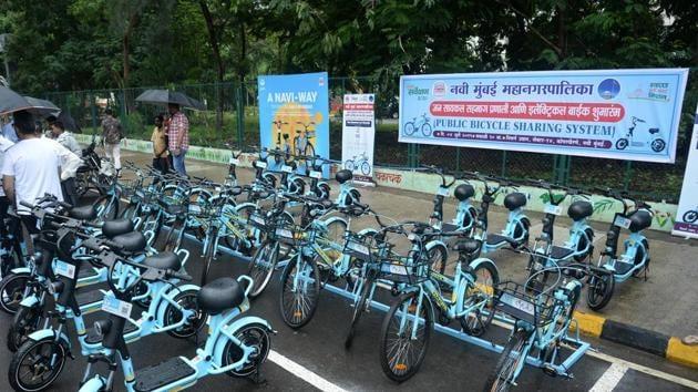 An e-bike stand at Nature garden in Kopar Khairane was inaugurated on Thursday.(Bachchan Kumar/ Hindustan Times)