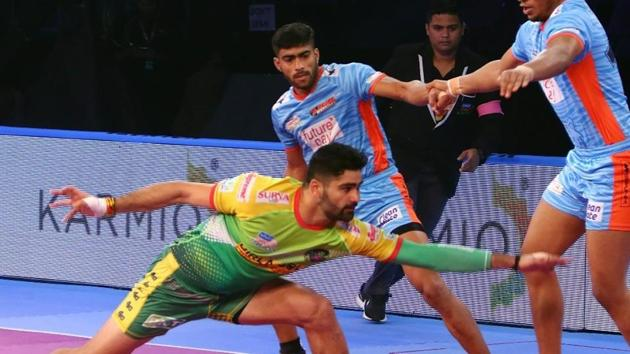 Pardeep Narwal scored 233 raiding points last season.(Pro Kabaddi League)