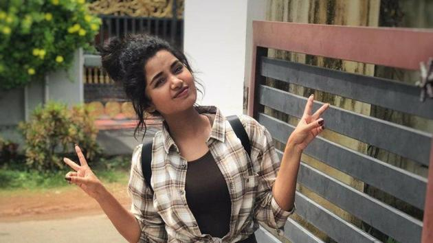 Anupama Parameswaran reacts to rumours of dating cricketer Jasprit Bumrah.