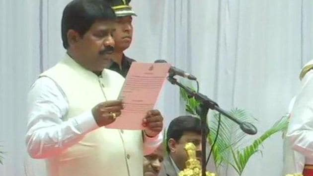 H Nagesh, an Independent legislator who was inducted into the HD Kumaraswamy council of ministers in June, has quit the Karnataka government.(ANI File Photo)