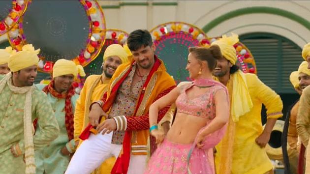 Jabariya Jodi song Zilla Hilela: Sidharth Malhotra and Elli Avram in the song.