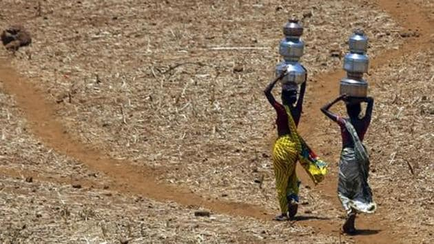 Western and northern Maharashtra are floating in excess rainfall, while Marathwada and Vidarbha are dry.(AP File Photo)