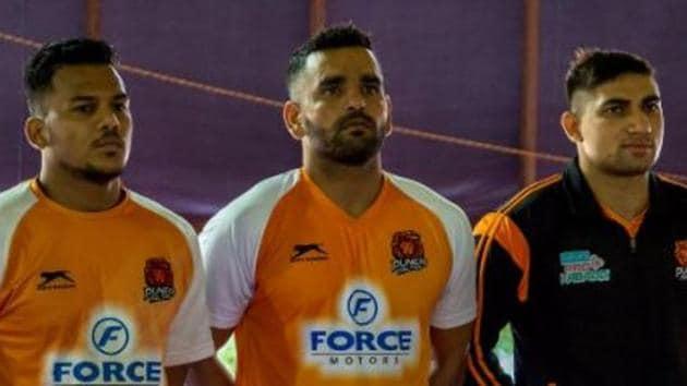 File image of Puneri Paltan skipper Surjeet Singh (C)(Puneri Paltan/ Twitter)