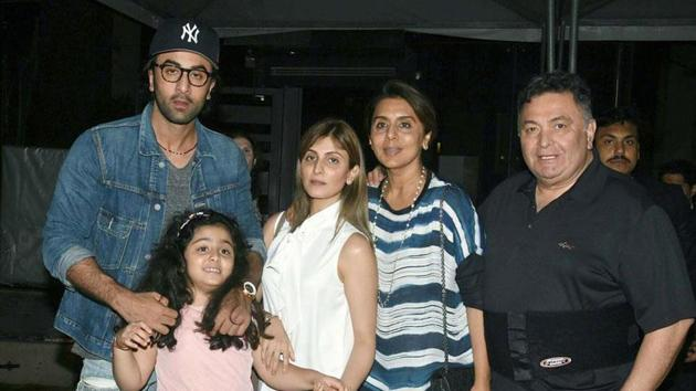 Rishi Kapoor is currently undergoing treatment for cancer in the US and his family has been visiting him.