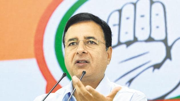 Congress leader Randeep Singh Surjewala tweeted hours after the top court said that the MLAs could not be compelled to attend the Karnataka assembly session.(Sushil Kumar/HT PHOTO)