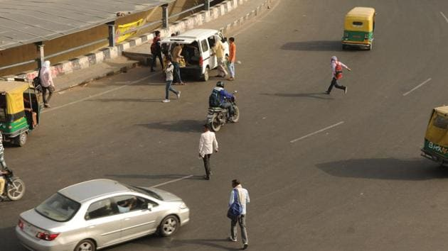 Gurugram, in developing its streets, has focused on roads for cars rather than pedestrians.(Parveen Kumar/HT File Photo)