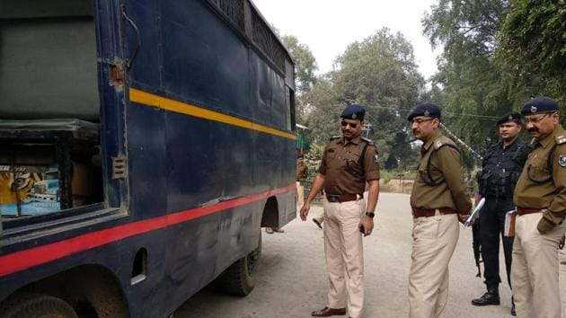 A senior police official privy to investigation said the probe suggested that it was a pre-planned move by three inmates and they did a proper recce of the entire route.(HT FIle / Photo used for representational purpose only)