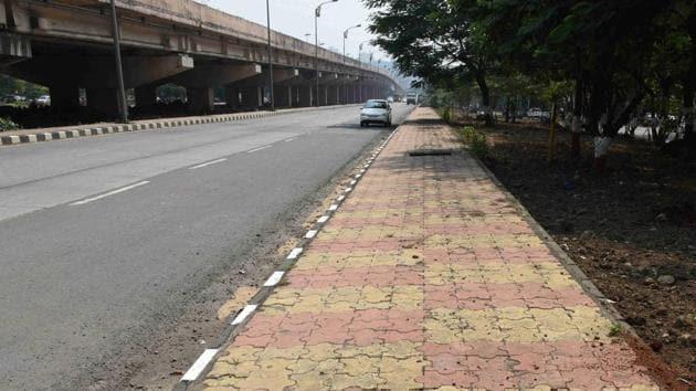 In a move to make Lower Parel more pedestrian-friendly, two kilometres of the footpath from Rakhangi chowk to Deepak cinema (Senapati Bapat Marg) will be revamped soon.(Bhushan Koyande/ Hindustan Times (Representative image))