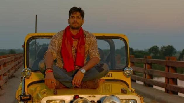 Sidharth Malhotra in a still from Jabariya Jodi song Ki Honda Pyaar.