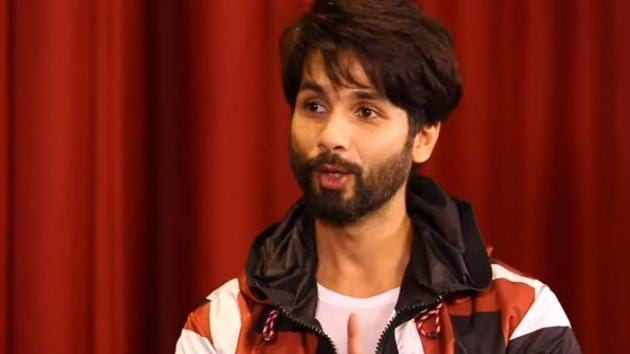 After Arjun Reddy remake Kabir Singh, Shahid Kapoor has reportedly been offered a remake of Nani's Jersey in Hindi.