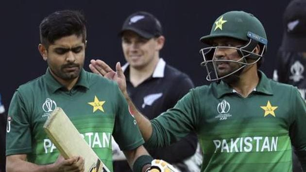File image of Pakistan cricketers Sarfaraz Ahmed and Babar Azam.(AP)
