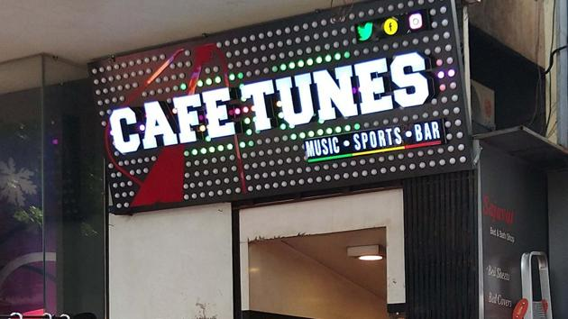 Cafe Tunes, a bar and restaurant (earlier known as Cafe Toons) located at Mahatma Gandhi road, Camp.(Ravindra Joshi/HT PHOTO)