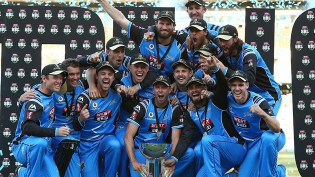 Five teams will now be involved in the finals of Australia's Big Bash League (BBL) with a new system that gives a double-chance for the regular season's top two teams.(BBL)