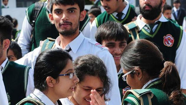 There are close to 20,000 CBSE-affiliated schools that offer education up to class 10, of these 12,000 run classes up to class 12.(HT Photo/Mujeeb Faruqui)