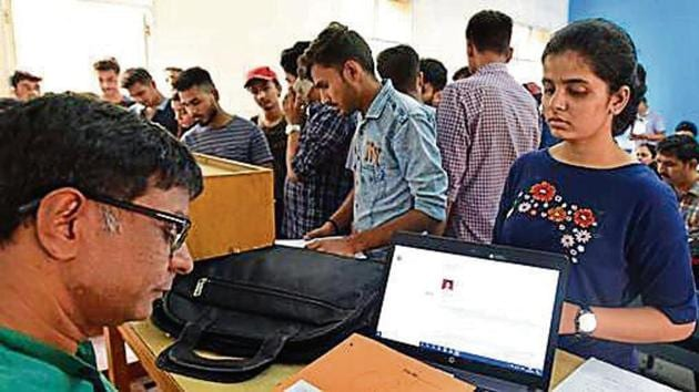 A seventh cut-off list would be released on August 6 if seats are still available and admissions to those seats will take place between August 6 and 8.(Photo: Raj K Raj/ Hindustan Times)