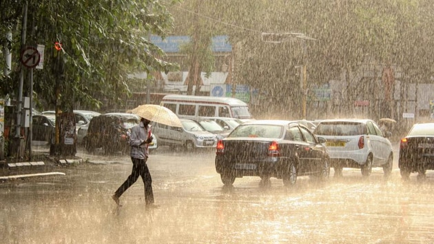 """The city will continue to witness light rain today (Friday), and then, Anupam Kashyapi, head of weather, IMD, says, """"We are expecting heavy rain in Pune city from Saturday and it will continue till July 28.(HT Photo)"""