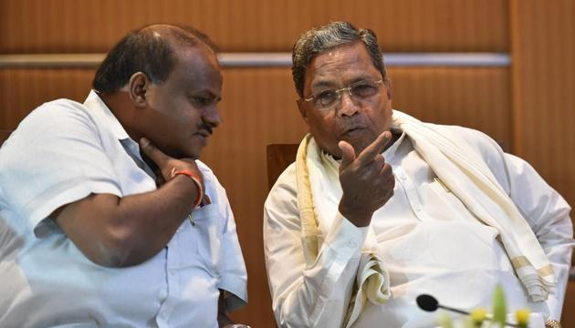 At a press conference in Bengaluru, Hebbar -- one of 15 rebel lawmakers who resigned their position -- claimed that Siddaramaiah was the one who was behind us.(Arijit Sen/HT Photo)