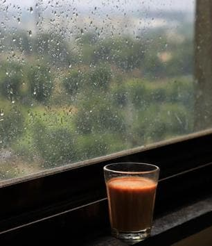 Even a simple cup of tea by the window tastes better in the rains.(Getty Images)