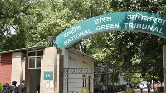 The committee members Shailaja Chandra and BS Sajwan, a former expert member of the NGT, said such steps have been taken before in a pollution related case.(Arvind Yadav/ Hindustan Times)