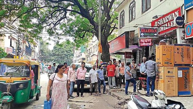 Police had identified the victim by her alias, Kirti, and on Saturday said she was attacked by 25-year-old Mohammad Munsair, who was caught by the public after the attack and handed over to the police.(HT Photo)