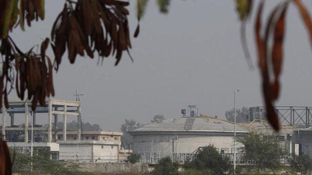 A view of the sewage treatment plant at Dhanwapur, in Gurugram.(Yogendra Kumar/Hindustan Times)