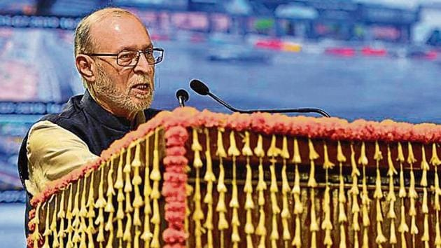 """Lieutenant Governor (L-G) Anil Baijal told top government officials to ensure the compulsory retirement of """"tainted"""" officials.(Burhaan Kinu / Hindustan Times)"""