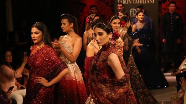 India Couture Week 2019: Models showcase fashion designer Tarun Tahiliani's creations.(IANS)