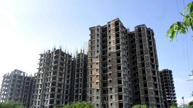Unitech homebuyers say that 16,000 flats have been partially or fully paid for but are yet to be handed over.(ht archive)